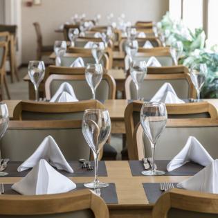 مطعم فاتشونا